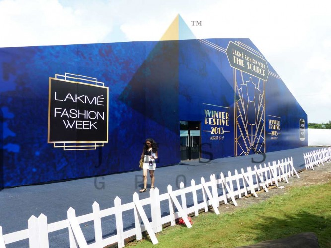 Facade structure at LFW