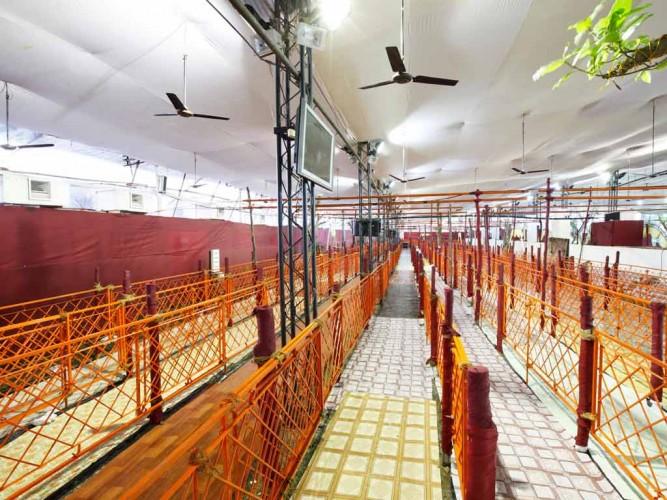 Walkway Barricading at Lalbaugcha Raja Ganesh Utsav 2011