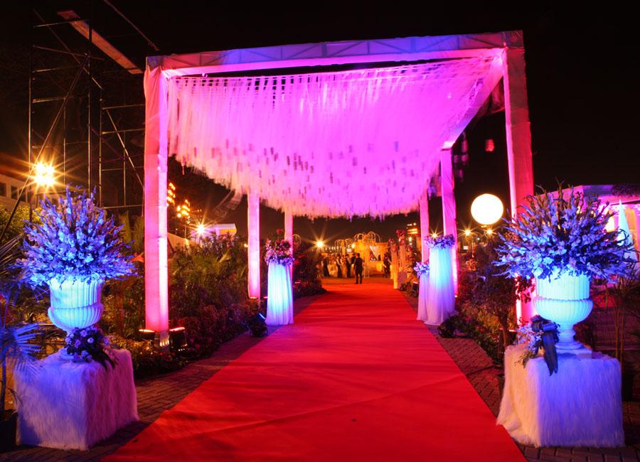 http://www.jessideas.com/wp-content/uploads/2016/07/Wedding-venue-design-by-Jess-Ideas.jpg